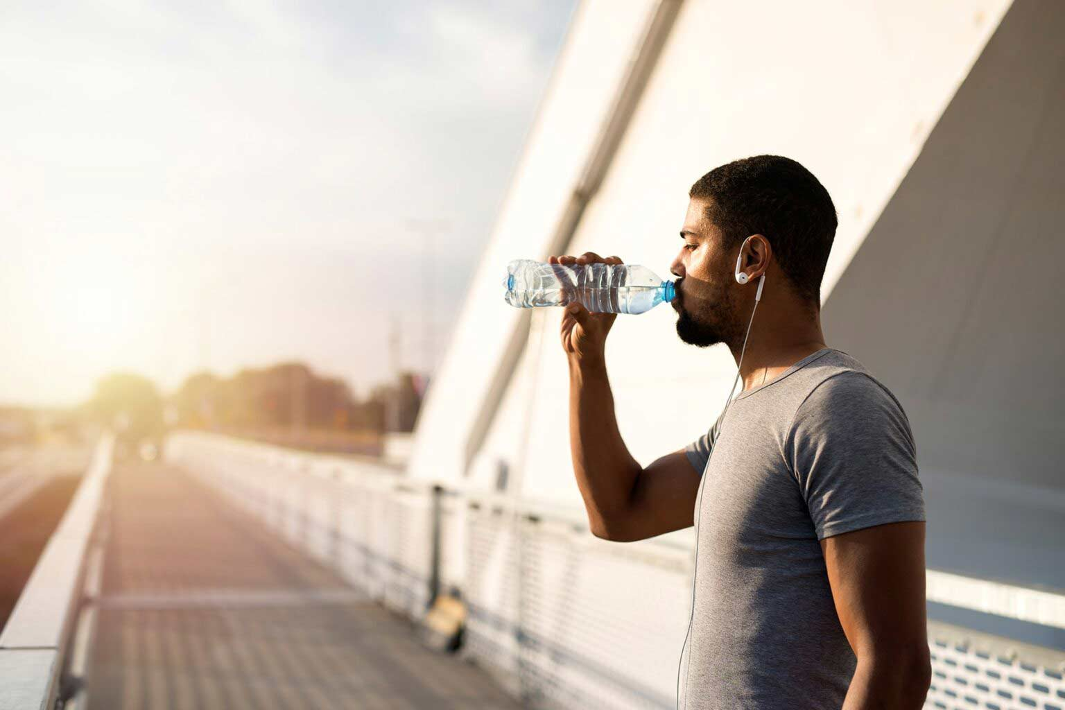How does water help you maintain a healthy heart?